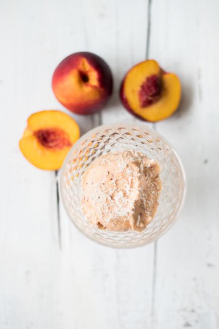 Selbstgemachtes Pfirsicheis mit Kokosraspeln-4