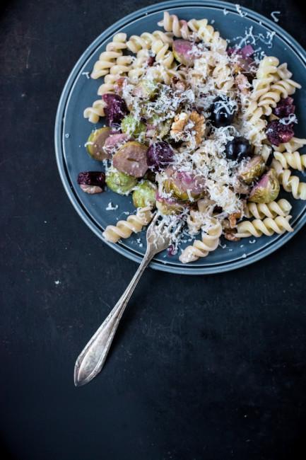 Nudelküche Pasta mit Rosenkohl und Trauben