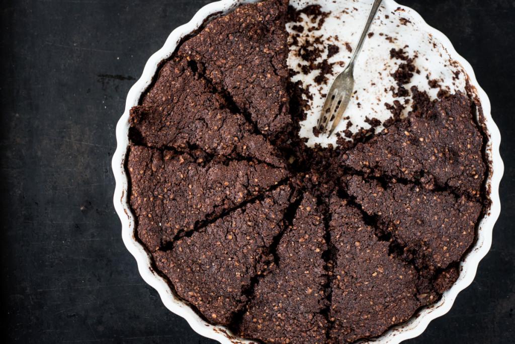 Schokoladenkuchen mit Mandeln und Moehren