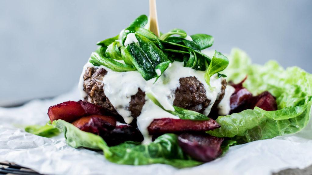 Gesunde Burger selber machen: Rezept für Low Carb Burger