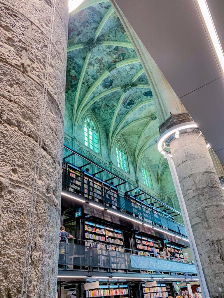 Bücherei Kirche Maastricht