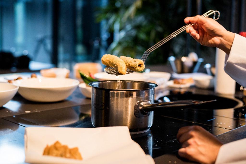 Küchentisch asiatisch Kochen zu Hause