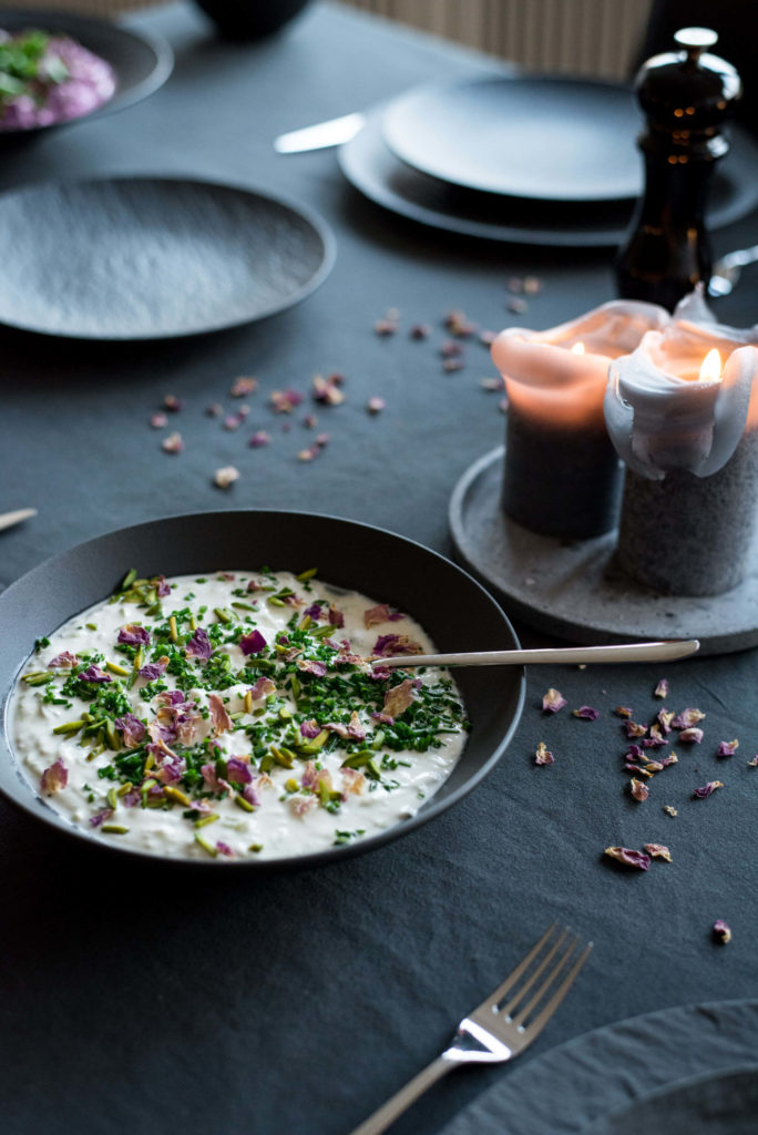 Rosenblütenjoghurt persisch