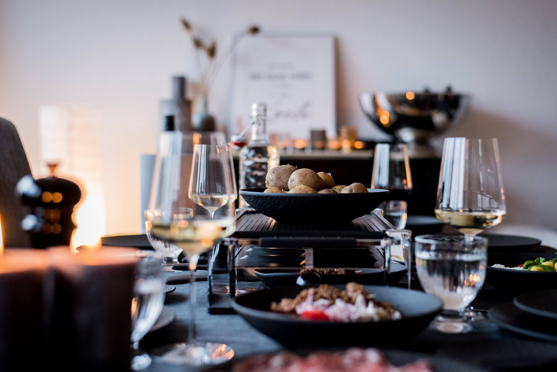 Raclette Tischdekoration